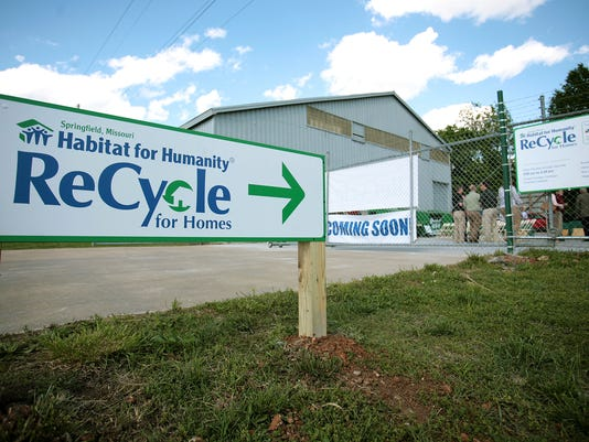 -cover.habitat.recycle.sign.jpg_20130419.jpg