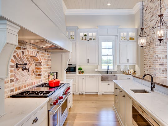 Floor to ceiling cabinetry produces more than 300 cubic