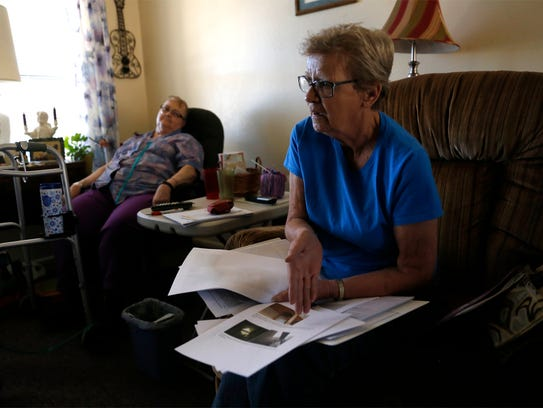 Linda Blakesley, left, and Phyllis Newlon talk Thursday