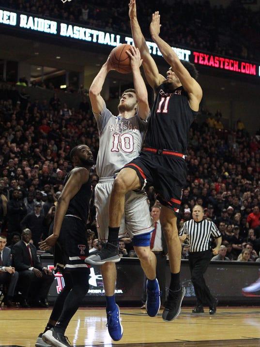 USP NCAA BASKETBALL: KANSAS AT TEXAS TECH S BKC TXT KAN USA TX