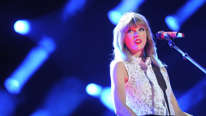 Taylor Swift gave $100,000 to the Nashville Symphony.  Larry McCormack / File / The Tennessean Taylor Swift performs at LP Field for the first nightly concert at the 2013 CMA Music Festival Thursday June 6, 2013, in Nashville, Tenn.