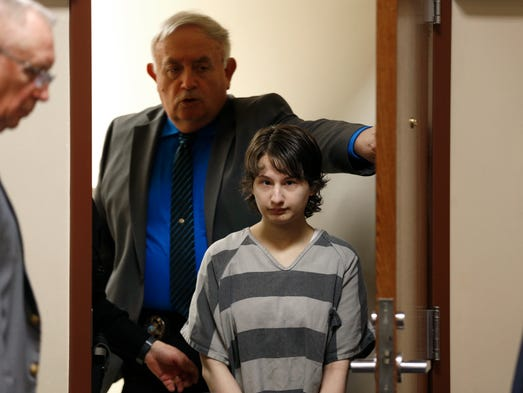 Gypsy Blanchard enters the courtroom on Monday, Jan.