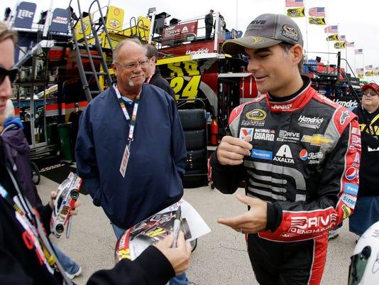 NASCAR Chicago Auto R_Mars.jpg