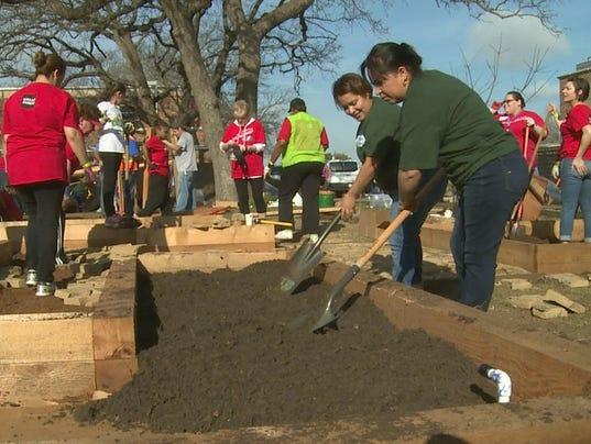 Elementary School Goes Green For Better Health