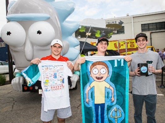 636669993611532113-rickmobile-people.jpg