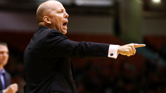 Cincinnati Bearcats head coach Mick Cronin