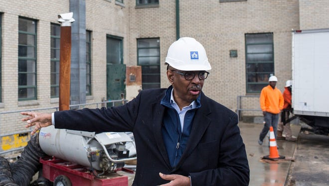Jimmie Tucker of Self+Tucker Architects leads tour of Universal Life Insurance Building renovation. It posted the highest minority participation level among current projects receiving incentives from the Downtown Memphis Commission.