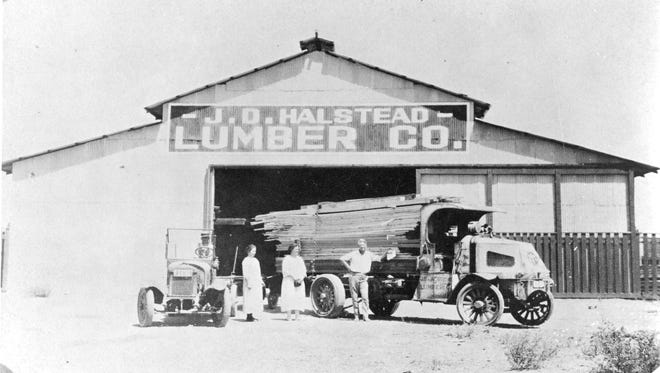 The Halstead Lumber Company circa 1920s. This building was later purchase by Foxworth and Galbraith and was destroyed in the 1946 fire.