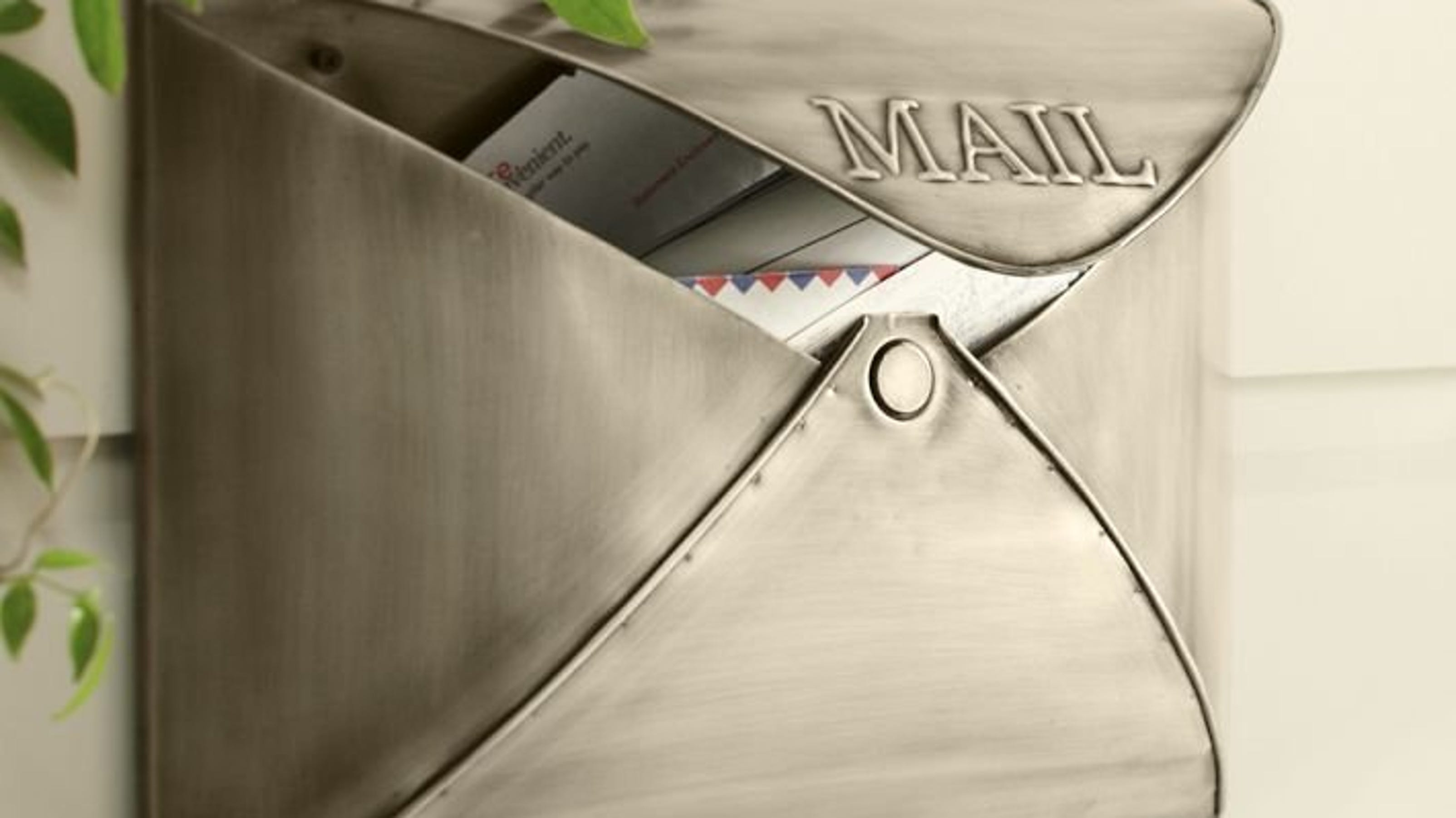 Envelope Shaped Mailbox Really Delivers