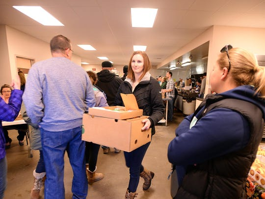 Meals on Wheels volunteer drivers pick up Thanksgiving