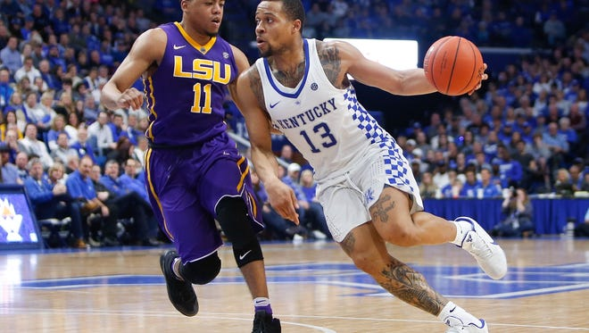 Kentucky Wildcats guard Isaiah Briscoe drives to the basket past LSU Tigers guard Jalyn Patterson during the second half at Rupp Arena in Lexington, KY on Tuesday, February 7, 2017. Kentucky defeated LSU 92-85.