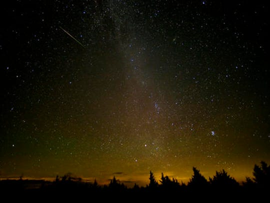 West Virginia: In this 30-second exposure, a meteor