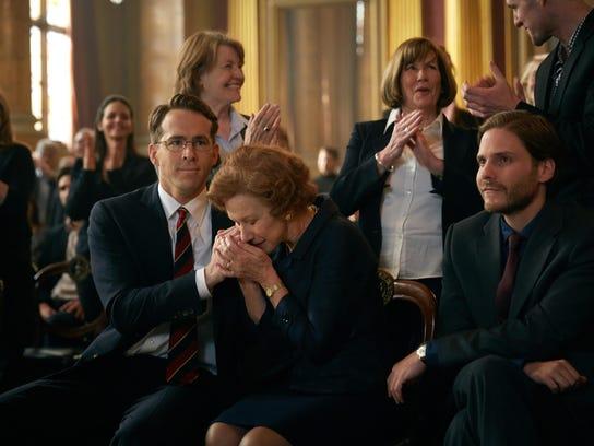 "Ryan Reynolds, Helen Mirren and Daniel Bruhl in ""Woman"