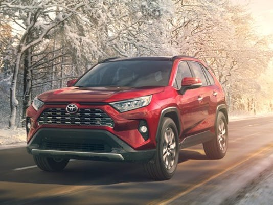 2019_toyota_rav4_hero_snow_large.jpg