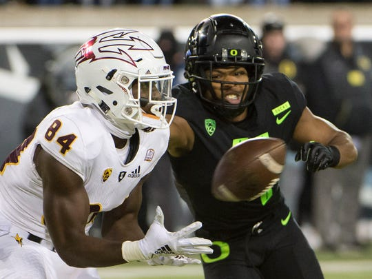 Arizona State Sun Devils wide receiver Frank Darby (84) catches a touchdown pass during the first half against Oregon Ducks cornerback Thomas Graham Jr. (4) at Autzen Stadium. Troy Wayrynen-USA TODAY Sports