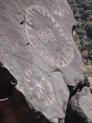 Observant hikers will find petroglyphs like this in