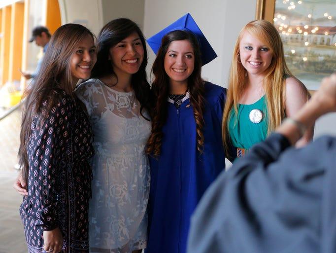 Ceremonia de graduación 2015 de la preparatoria  Notre
