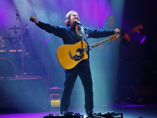 Travis Tritt plays Millville's Levoy Theatre on July