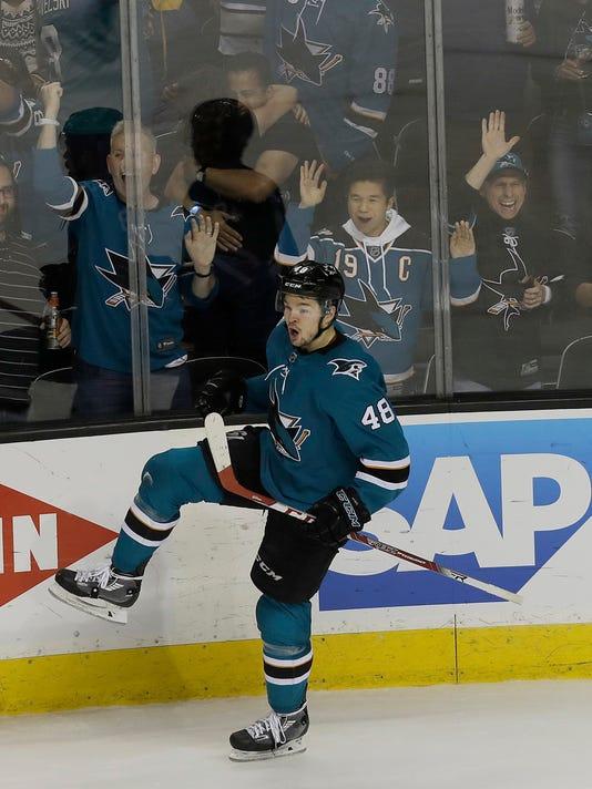 Ducks_Sharks_Hockey_64495.jpg