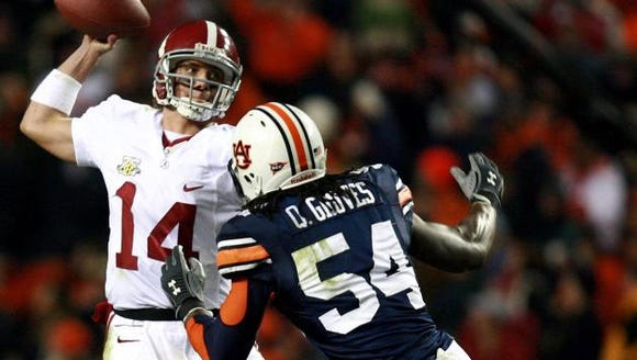 Quentin Groves (54) left Auburn tied for the school's