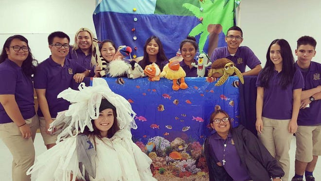 Dec. 2016 - Puppet show (MU Lujan Elementary School)