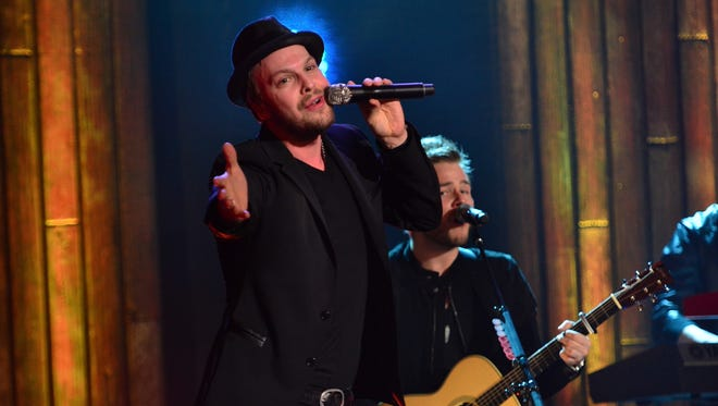 "Gavin DeGraw and guitarist Billy Norris perform during VH1's ""Super Bowl Blitz: Six Nights + Six Concerts"" at The Wellmont Theatre on Feb. 1 in Montclair, N.J."