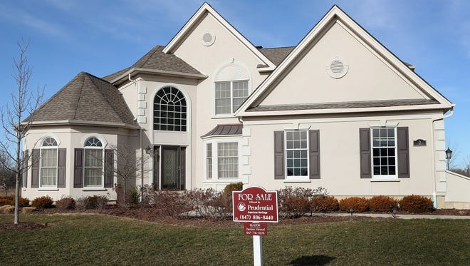 Home builder Toll Brothers reported on Wednesday higher earnings and revenues for its second quarter ended April 30.