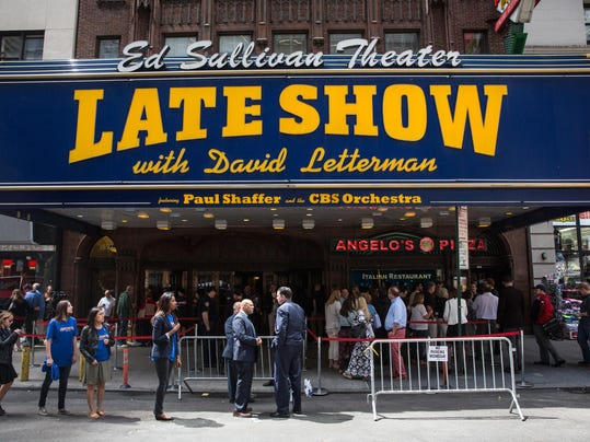 Fans Gather At Ed Sullivan Theatre Before David Letterman's Last Show