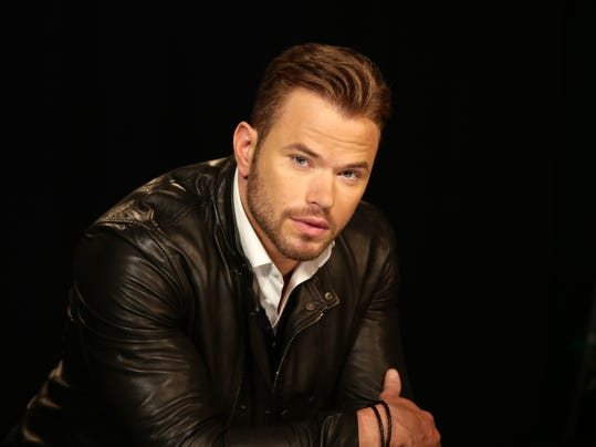 People-Kellan Lutz _Atki.jpg