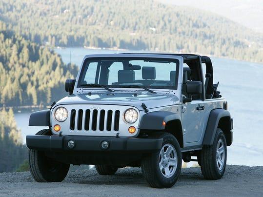 fiat chrysler recalling 500 000 jeep wranglers. Black Bedroom Furniture Sets. Home Design Ideas