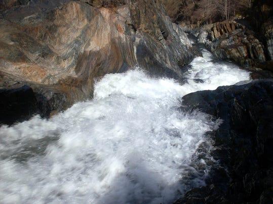 Kaweah River Jan 2010 57