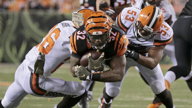 Bengals running back Jeremy Hill dives for extra yards during a 31-10 Cincinnati victory on Nov. 5, 2015.
