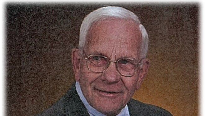 C. Fred Ekstam, 83, of North Liberty passed away peacefully at home surrounded by his family on Sunday, August 24, 2014.