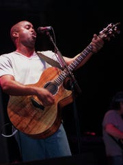 Darius Rucker of Hootie and the Blowfish performs during