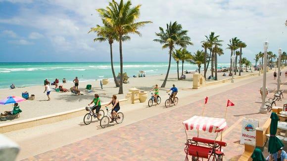 Florida beach Hollywood BroadwalkFun