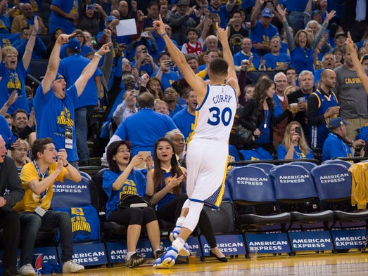April 13 — Warriors 125, Grizzlies 104: Stephen Curry
