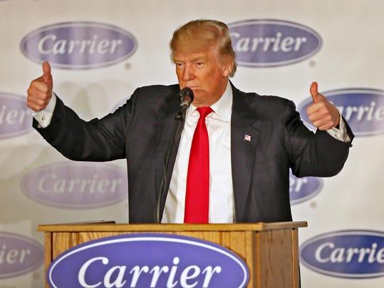 -TrumpPenceCarrier_7.JPG_20161201.jpg