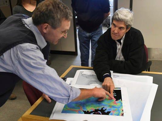 John Kerry, John Snow