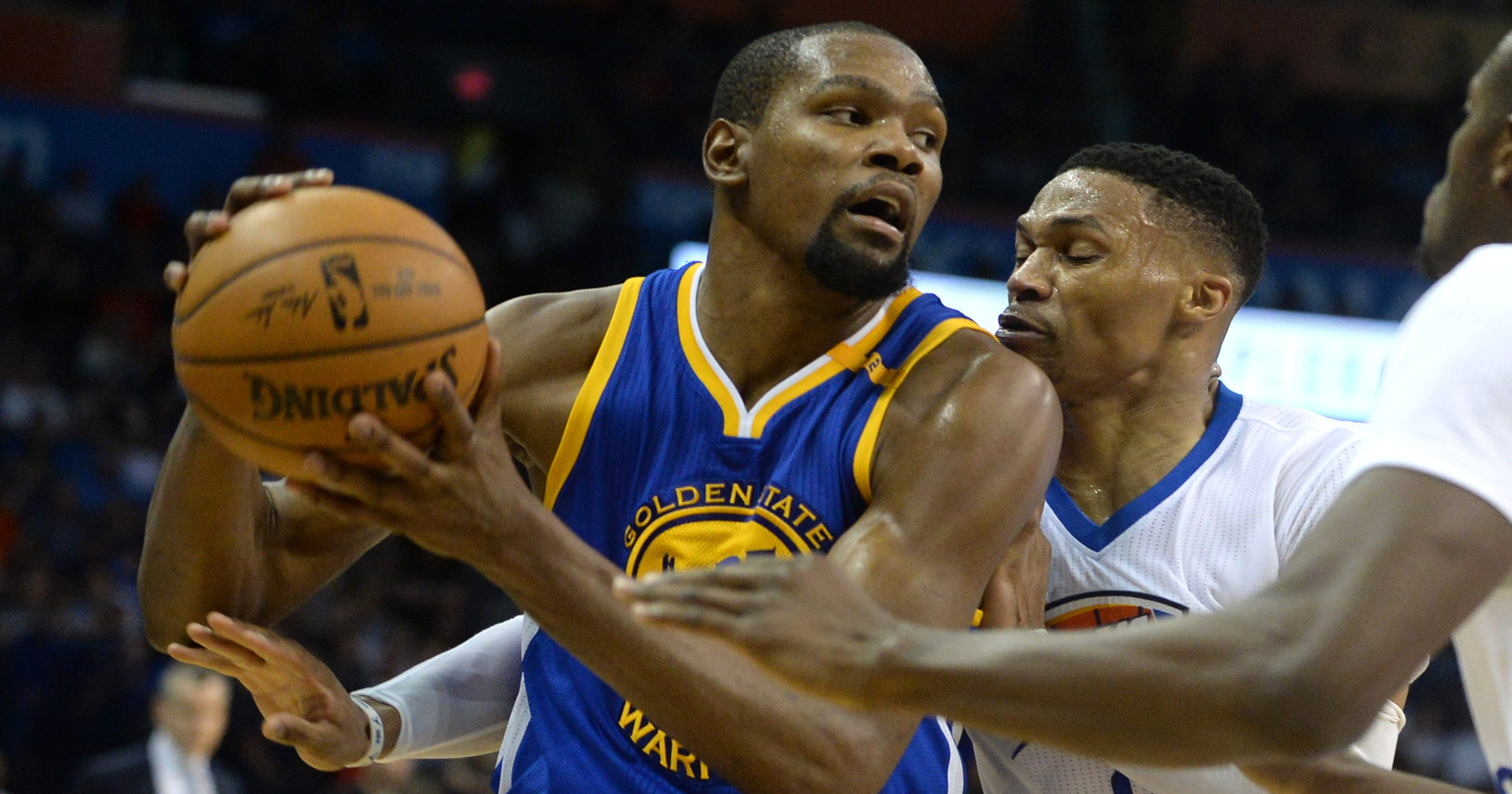 6bde9005a Kevin Durant shakes off boos as Warriors rip Thunder