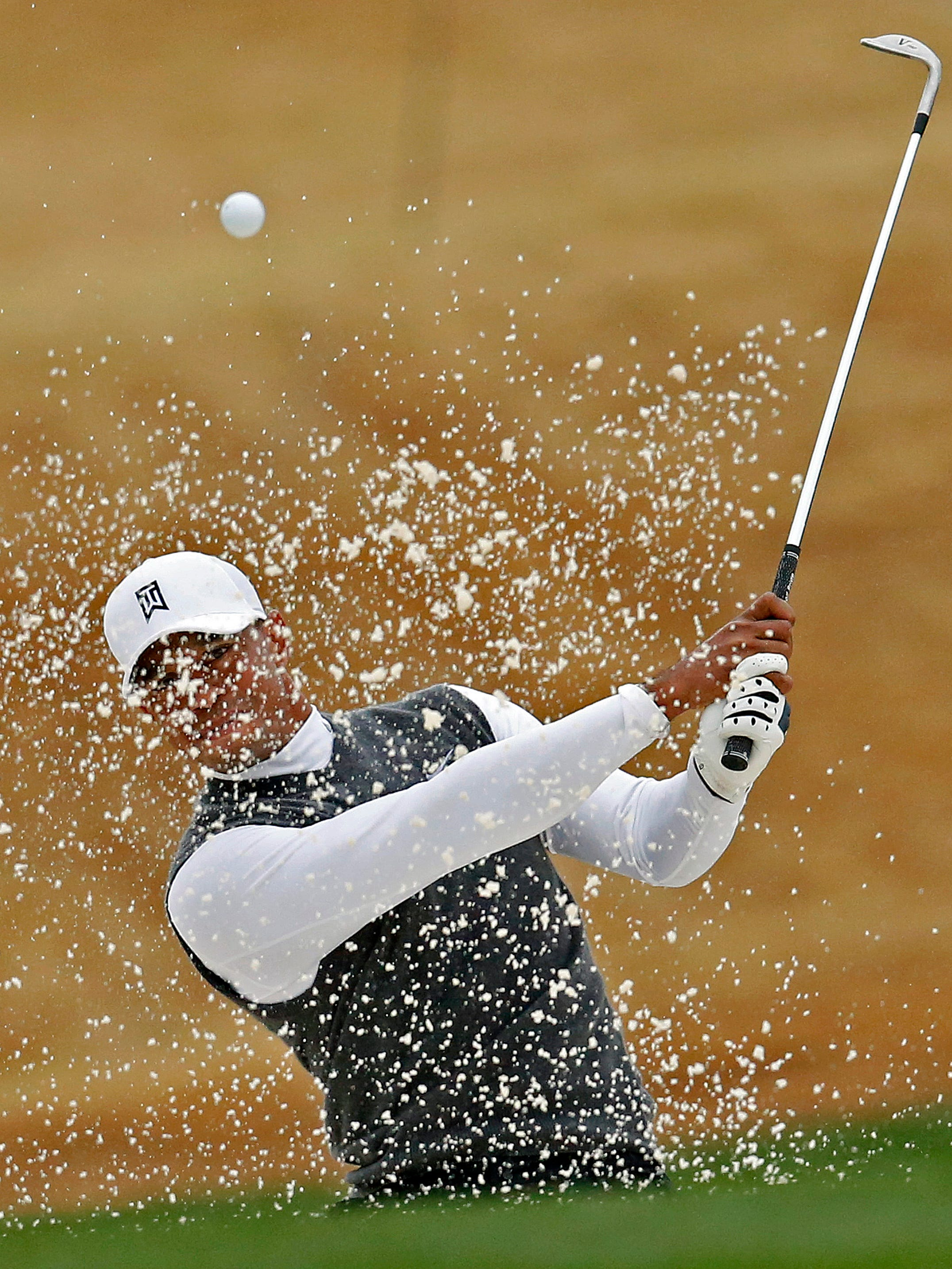 woods posts 82  highest score of his pro career
