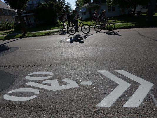 -WDHBrd_07-11-2014_Herald_1_A001~~2014~07~10~IMG_WDH_0711_Bike_Signs._1_1_KV.jpg