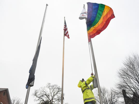 1-LDN-JML-032816-pride-flag