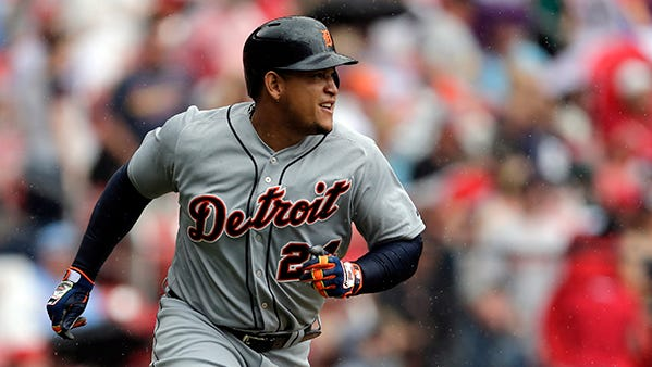 Miguel Cabrera watches his 400th homer leave the yard Saturday in St. Louis.