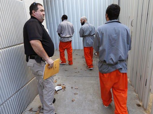 IMG_Prisoners2_jpg_1_1_02D5BFJC.jpg_20160117.jpg