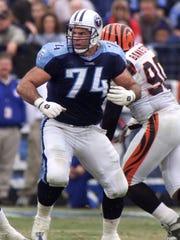 Tennessee Titans offensive lineman Bruce Matthews (74)