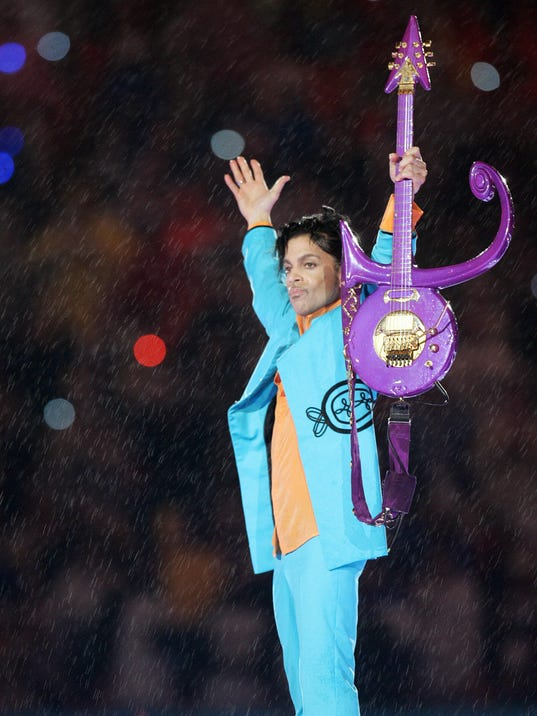 US musician Prince performs during half-