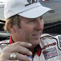 Why Sterling Marlin is pulling against Denny Hamlin in Daytona 500