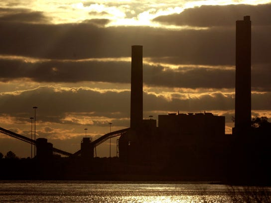 Closure of coal-fired units at the Indian River Power Plant near Millsboro helped Delaware cut power plant CO2 releases by 25.2 percent between 2000 and 2011.