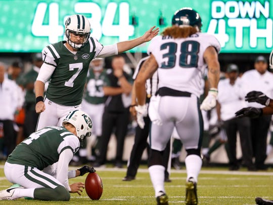 New York Jets kicker Chandler Catanzaro (7), with Lac