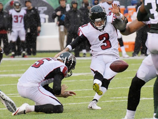 Atlanta Falcons kicker Matt Bryant (3) boots a field goal during the first half of an NFL football game against the New York Jets, Sunday, Oct. 29, 2017, in East Rutherford, N.J. (AP Photo/Bill Kostroun)
